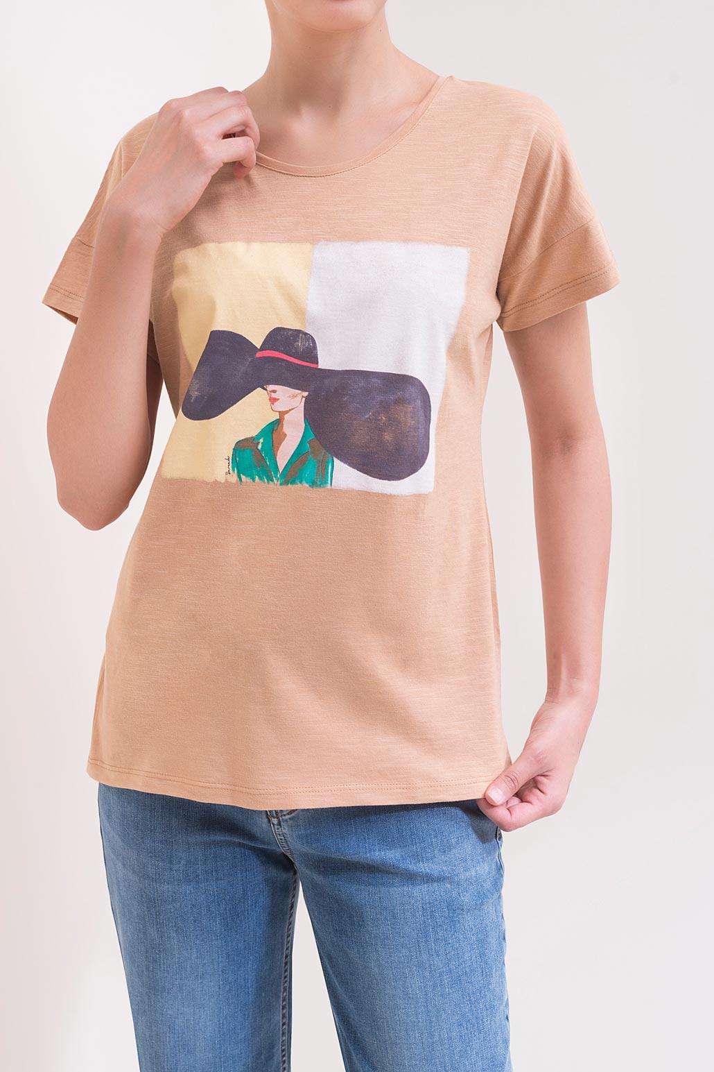 تی شرت چاپ دختر کلاه دار